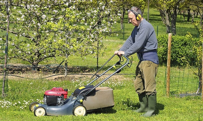 Bluetooth & Radio Headphones For Lawn Mowing