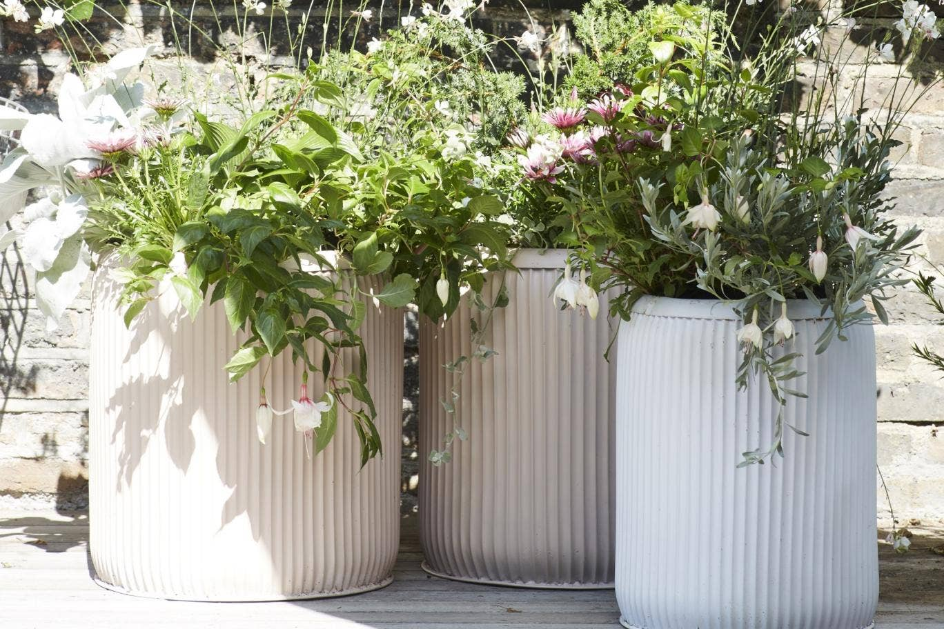 Extra Large Planters for Outside: Commercial Outdoor Planters